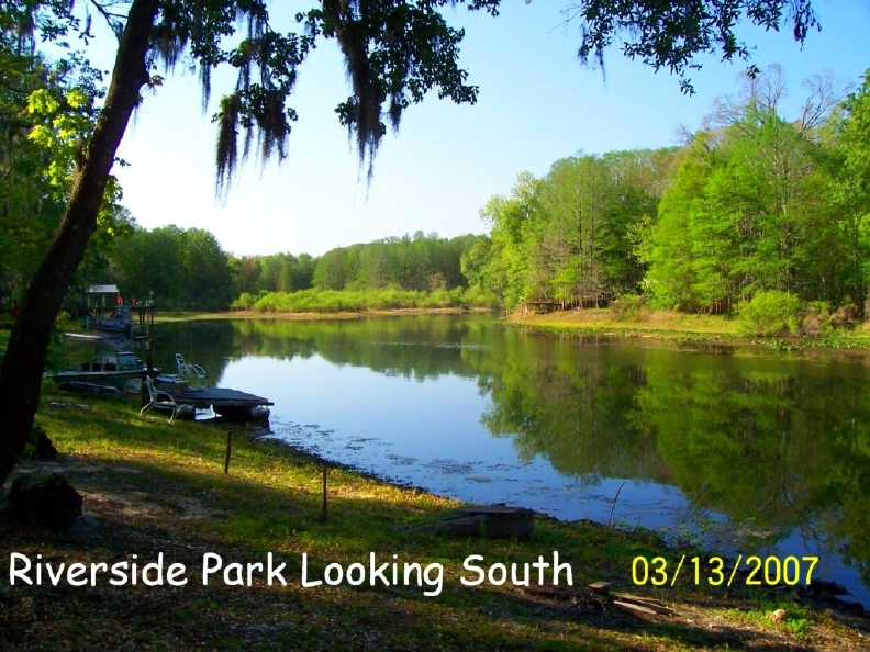 Looking south on the Withlacoochee - Riverside RV Park is all about scenery!
